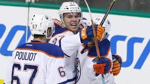Gain des Oilers sur les Leafs Images?q=tbn:ANd9GcRaK4xhMtgYc-5M_0ayk9rUkHAJL4OYQIqpxQltYo25PPXhpkyo