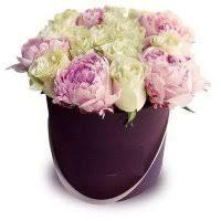 Розы в коробке смотреть цену и заказать в Москве