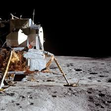 「On February 5, 1971, Alan Shepard, the first American in space, became the fifth astronaut to walk on the moon as part of the Apollo 14 lunar landing mission.」の画像検索結果