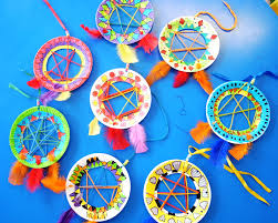 best ideas about american dreams native american dream catchers these native american dream catchers are really popular kids buy small paper plates and cut out the middles a craft knife