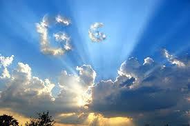 Resultado de imagem para nuvens com sol e chuva