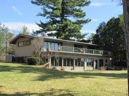 wisconsin waterfront property in stevens point wisconsin rapids two story single family wisconsin rapids wi 3yd cwbrwi 1701619