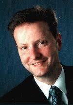 Dr.-Ing. <b>Peter Hackenschmied</b> studierte Werkstoffwissenschaften an der <b>...</b> - vorstand30-kl