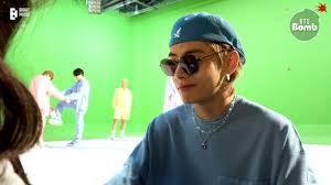 [BANGTAN BOMB] Help V Choose a Pair of <b>Sunglasses</b> - BTS (방탄 ...