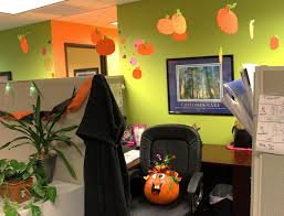 halloween decorations for office 1000 images about halloween office decor on pinterest cubicles halloween cubicle and attractive cool office decorating ideas