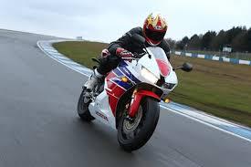 <b>Honda CBR600RR</b> (2013): First full track test review!
