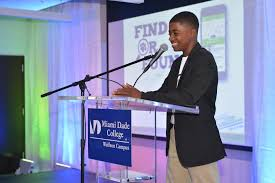 young nfte entrepreneurs pitch for in prizes and support nfte
