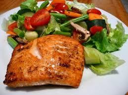 Resultado de imagem para imagem prato de  salada com carne