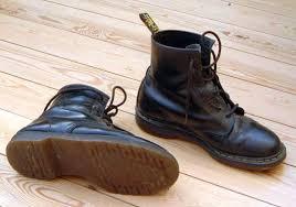 <b>Ботинки</b> — Википедия