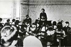 「1921年 - 羽仁もと子が自由学園を創立」の画像検索結果