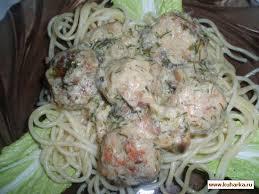 Рецепт: Тефтельки в сливочно-грибном соусе.