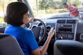 dangers of texting and driving argumentative essay example
