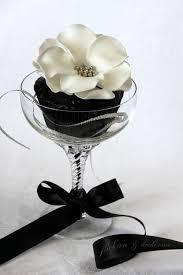 black white rose silver pearl wedding cupcakes awesome cupcakes dessert cupcakes food awesome black white