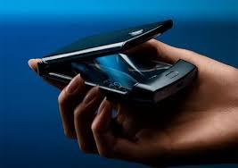 <b>Motorola</b> воскресила легендарную «раскладушку» RAZR. Теперь ...