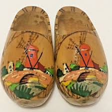 Small <b>Vintage Hand Painted</b> Wooden DUTCH CLOGS Shoes Wall ...