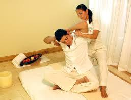 Khó tin với ưu điểm của massage thái Images?q=tbn:ANd9GcRfkQF_dXjGWSiKNpYiAgOuQtUdj_EX_RrfdKB4dnCIo7meEtlO