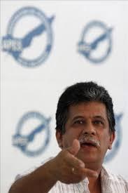 "... sobreseimiento definitivo"" a los exguerrilleros Joaquín Villalobos Huezo ... - 4298703w-365xXx80"