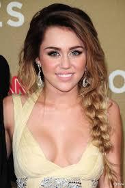 También en 2011, Miley Cyrus sacó partido de su tie & dye luciendo una bonita trenza lateral. Todas las fotos de la noticia - 1717-miley-cyrus-592x0-2
