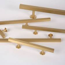 the brushed brass finish square bar series from lewis dolin hardware features solid brass cabinet knobs pulls appliance pulls in a simple geometric cabinet hardware gt cabinet pulls
