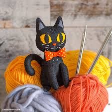 <b>DIY Black Cat</b> Stuffie - Lia Griffith