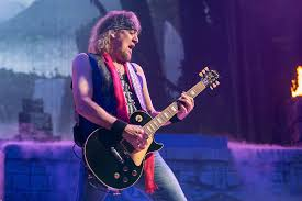 Adrian Smith: What I Learned Watching <b>Iron Maiden</b> Play Without Me