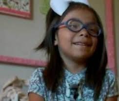 Como castigo, mãe tranca filha em armário por dois anos por ela se parecer com o pai – Varela Notícias - crianca-379x320