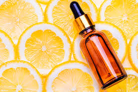 Чем полезна <b>сыворотка для лица с</b> витамином C, как ее ...
