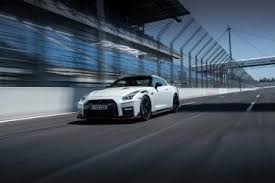 2020 Nissan <b>GT</b>-<b>R</b> NISMO put to the test