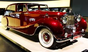 <b>Luxury</b> vehicle - Wikipedia