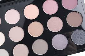 <b>MAC</b> Cool <b>Neutral</b> palette swatches and looks