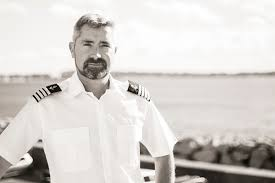 Interview with Captain Robert of M/Y <b>Lady Rose</b> - Excelerate marine