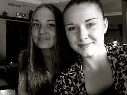 Efter skolan igår stack jag in till stan för att möta upp Frida, Emma och Fia utanför Sven Erikson. Det var emmas och fridas första dag på gymnasiet så vi ... - img_8557_5215e4ec9606ee7bde05f7d1