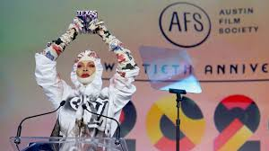 "<b>Erykah Badu's</b> ""Social Distancing Couture"" Is the Coronavirus ..."