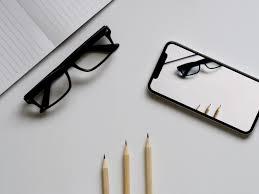 <b>Защитные стекла</b> для iPhone XR - выбор лучшего | ТОП-3
