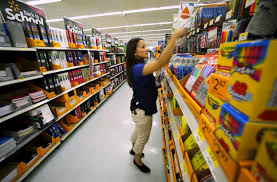 walmart workers still unsatisfied months after widely walmart workers still unsatisfied 7 months after widely celebrated pay raise