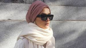 15 Tips You Should Consider for a Fabulous <b>Winter Hijab</b> Style