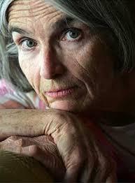 Donna Leon. The Commissario Brunetti books: Steve: * read, **reading ***on the bookshelf. 1 - Death at la Fenice (1992) - novelista_estadounidense_Donna_Leon