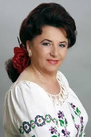 Binecunoscută interpretă de muzică populară gorjenească, Maria Loga și-a serbat ziua onomastică pe scenă, la Mangalia. Deși ieri a avut loc una dintre cele ... - maria-loga-monden-2