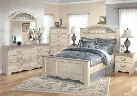 glass bedroom furniture rectangle shape wooden cabinets: mirror bedroom set furniture rectangle shape black wooden cabinets white wall paint color square shape bedside tables three storage drawers with double