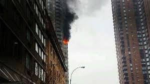 Fire rips through Manhattan high-rise killing 1