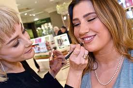 Aberdeen's <b>Bobbi Brown</b> gives top Valentine's date night make-up tips