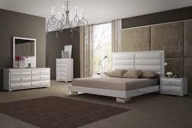Modern Bedroom Set Furniture Daniella Modern Bedroom Set