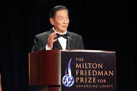 chinese liberal mao yushi turns liberty mao yushi accepts the 2012 milton friedman prize for advancing liberty