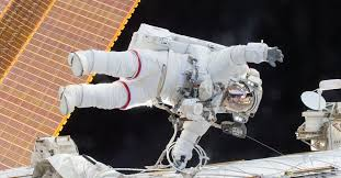 Watch two NASA astronauts complete the 200th spacewalk outside ...