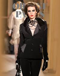 <b>Jean Luc Amsler</b> Spring-summer 2012 - Couture