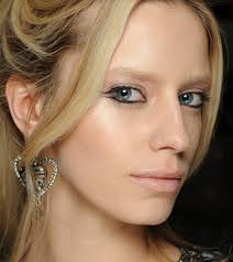 10 Easy Ways To Look <b>Party Ready</b>   StyleCaster