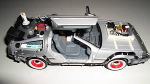 <b>Welly</b> Zurück in die Zukunft 3 DeLorean; <b>1:24</b>; Diecast Metal