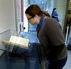 to see or not to see shakespeare s first folio goes on exhibit in photo robin murphy an english teacher at east central university in ada studies