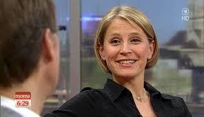 <b>Susan Link</b> @ &quot;ARD-MorgenMagazin&quot; am 09.04.2013 - HD Bilder - Susan_Link_ARD_Mo_Ma_09_04_2013_pp_17