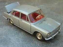 <b>Dinky Toys</b> Simca 1500 <b>1:43</b> scale (Made in France)   <b>Corgi toys</b> ...